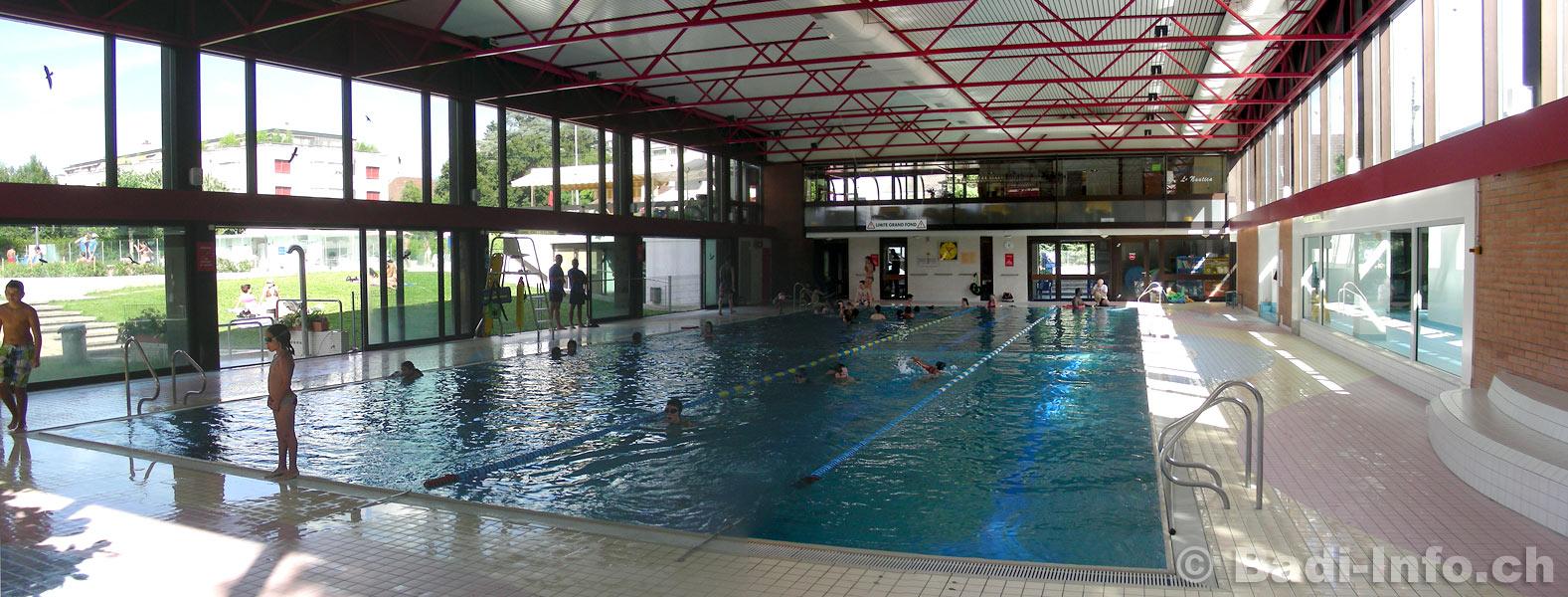 D coration piscine couverte geneve 72 calais hotel for Piscine miroir vaucluse