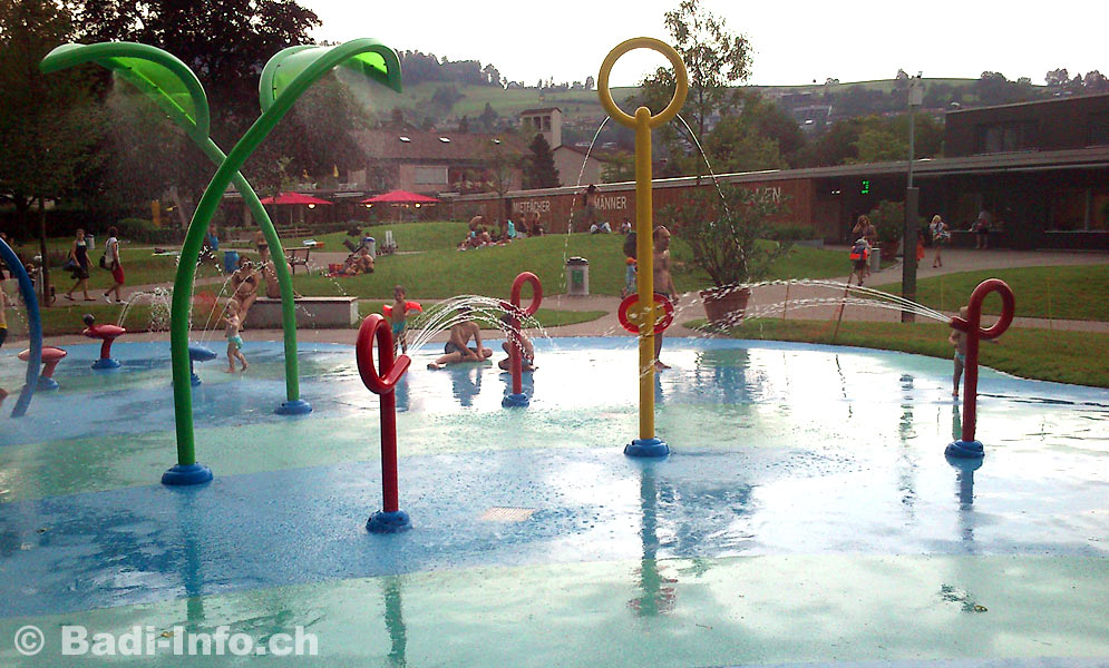 Schwimmbad Kriens Wasserspielgeräte