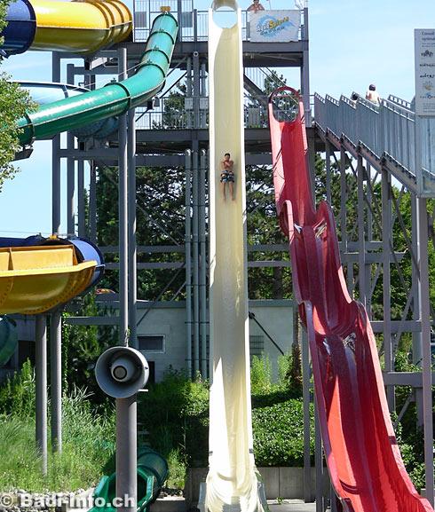 Toboggan piscine adulte trendy jeux de piscine toboggan for Piscine neptune montpellier