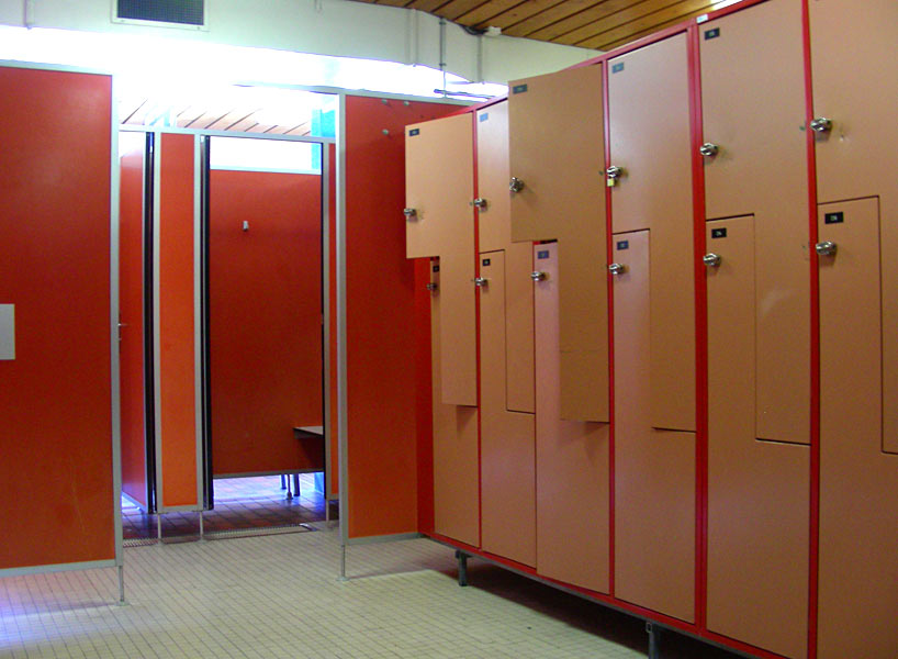 Vestiaires centre sportif sion for Vestiaires piscine