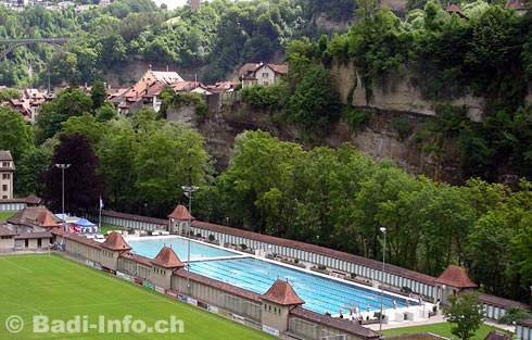 Bains de la motta piscine de fribourg for Piscine fribourg