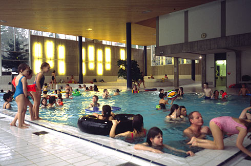 Bettingen schweiz schwimmbad zollikon low risk low return bettingadvice