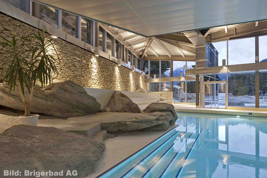 Brigerbad das innen thermal bad for Piscine zinal