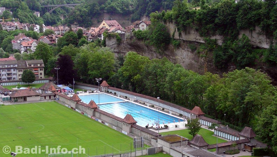 Bains de la motta piscine fribourg for Construction piscine fribourg