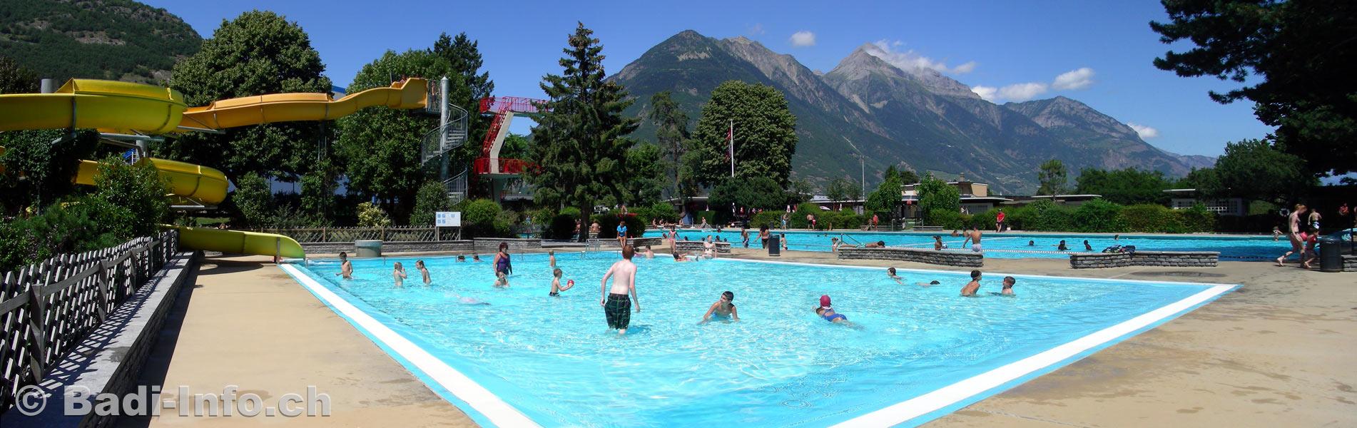 La piscine municipale de martigny valais for Piscine tubulaire pas cher gifi