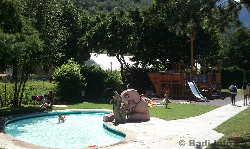 Piscine martigny pataugeoire for La piscine des amiraux